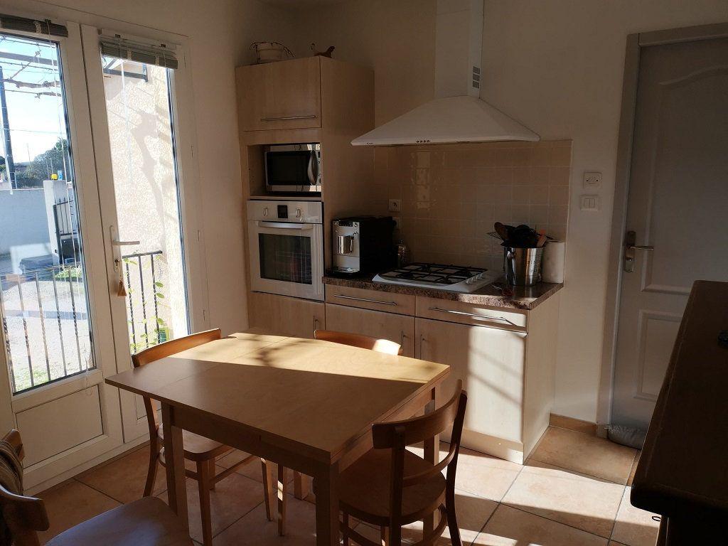 Maison à louer 4 81m2 à Rochefort-du-Gard vignette-3