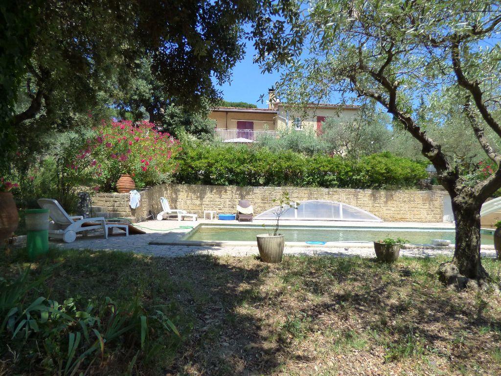Maison à vendre 9 310m2 à Villeneuve-lès-Avignon vignette-2