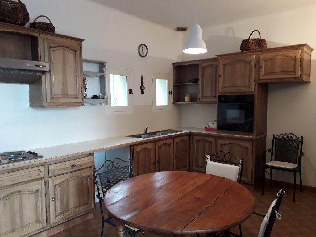 Maison à vendre 9 310m2 à Villeneuve-lès-Avignon vignette-7