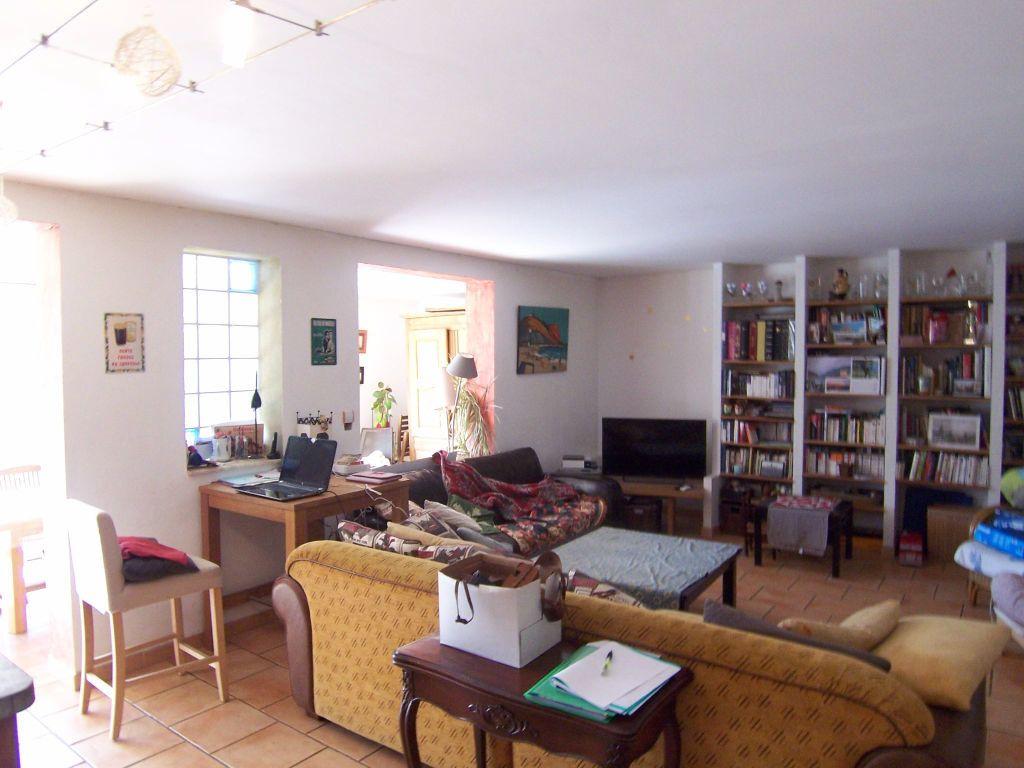 Maison à vendre 9 310m2 à Villeneuve-lès-Avignon vignette-10