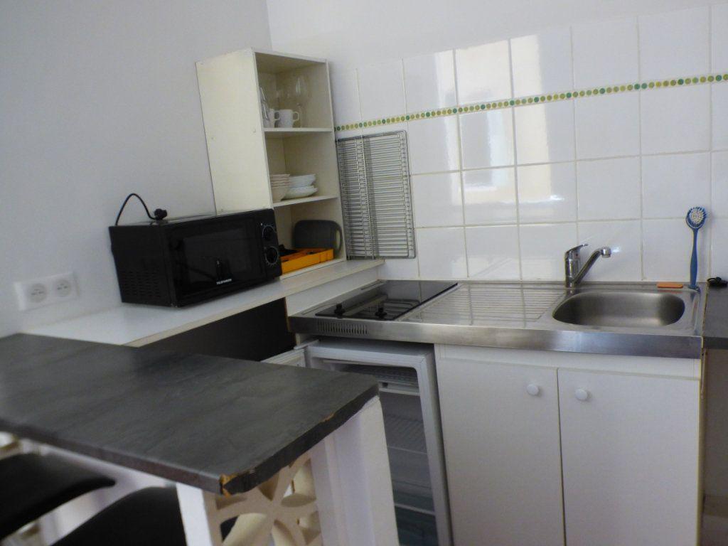 Appartement à louer 1 16.5m2 à Avignon vignette-4