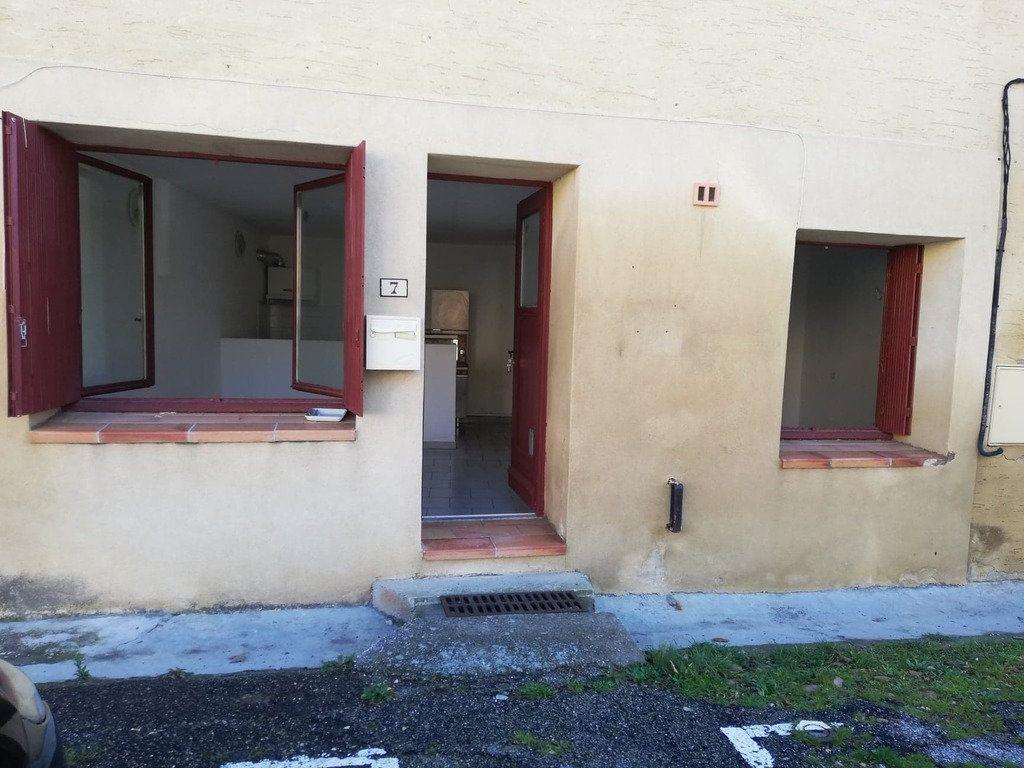 Appartement à louer 2 35m2 à Domazan vignette-1