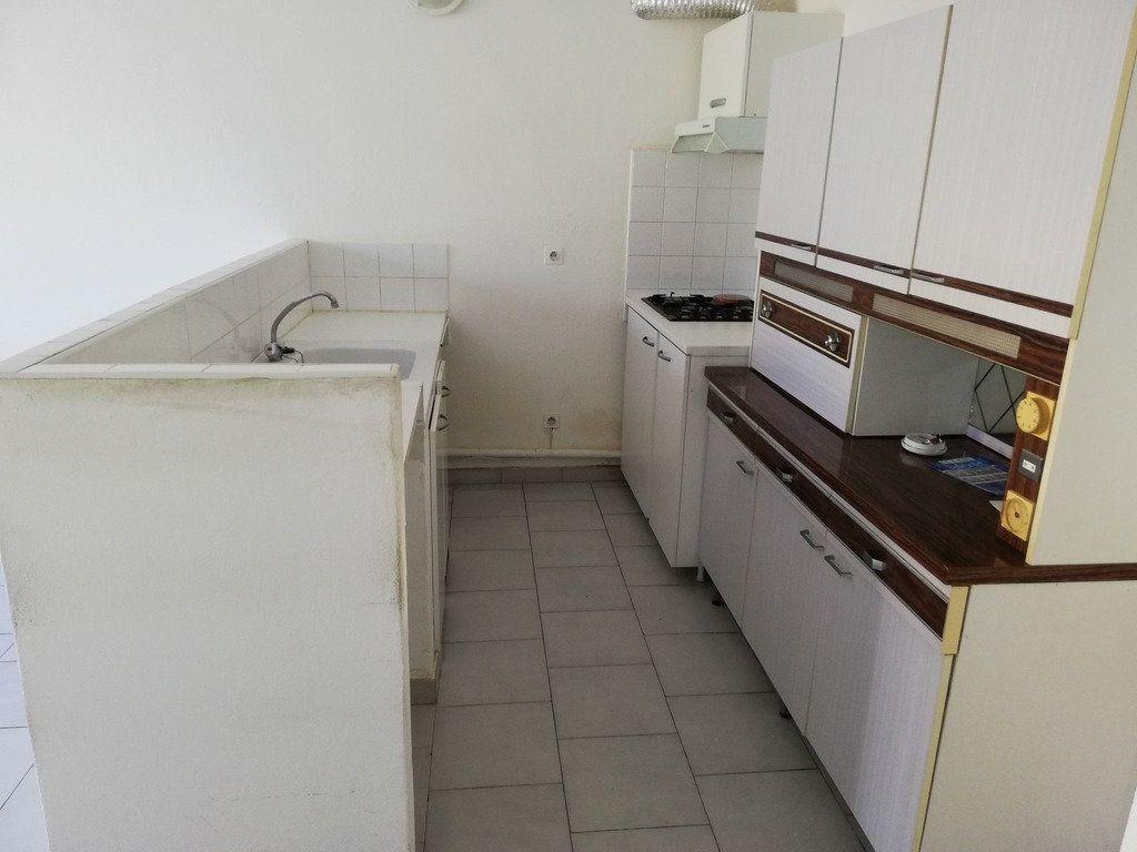 Appartement à louer 2 35m2 à Domazan vignette-4