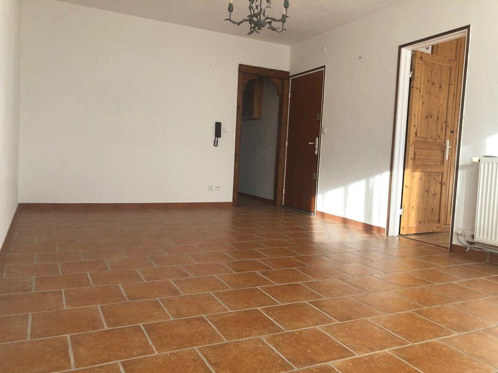 Appartement à vendre 2 50m2 à Villeneuve-lès-Avignon vignette-1