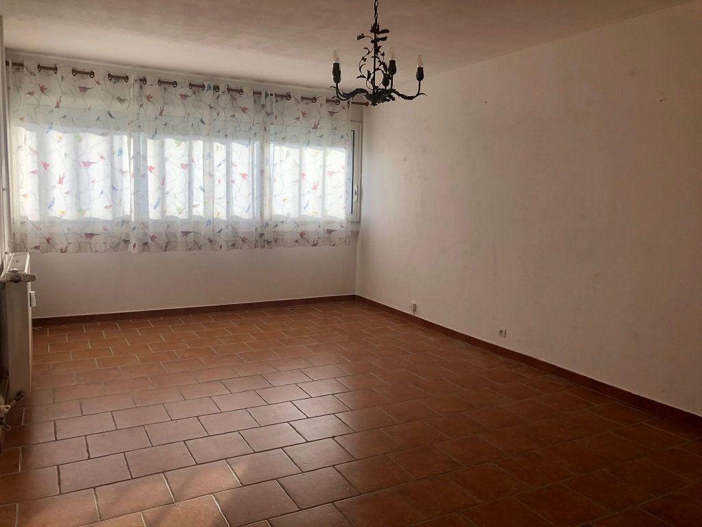 Appartement à vendre 2 50m2 à Villeneuve-lès-Avignon vignette-2