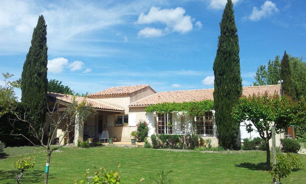 Maison à vendre 5 122m2 à Saint-Saturnin-lès-Avignon vignette-1