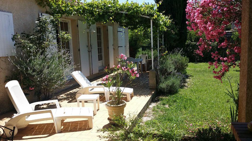 Maison à vendre 5 122m2 à Saint-Saturnin-lès-Avignon vignette-2