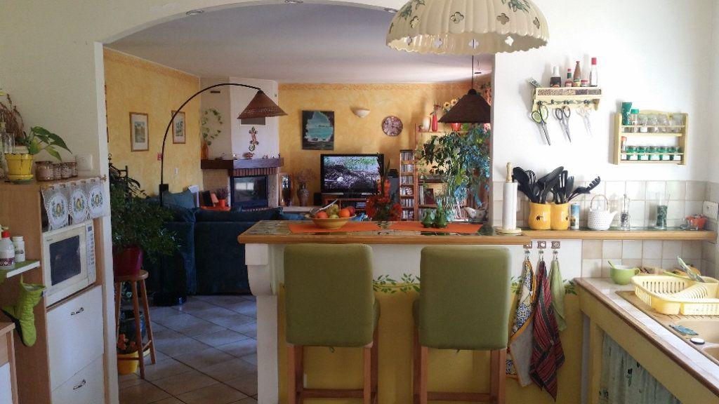 Maison à vendre 5 122m2 à Saint-Saturnin-lès-Avignon vignette-7