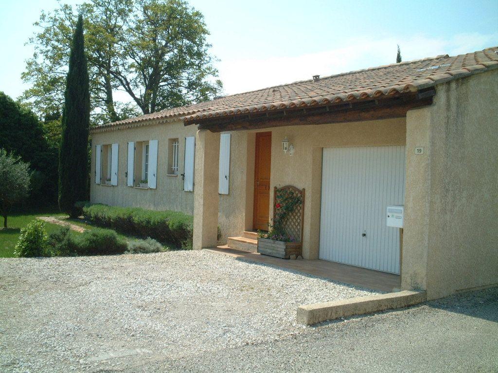 Maison à vendre 5 122m2 à Saint-Saturnin-lès-Avignon vignette-10