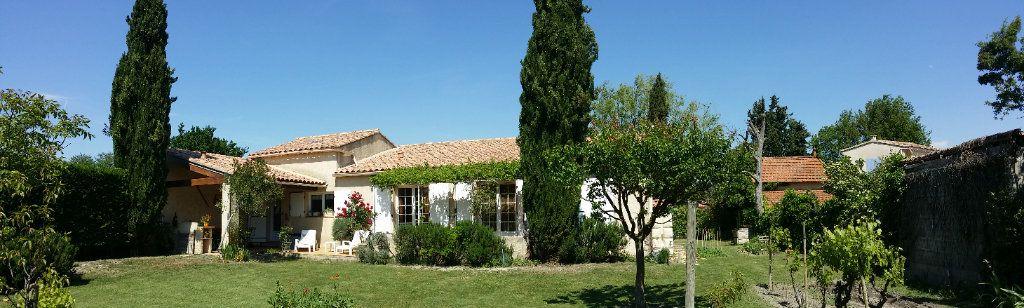 Maison à vendre 5 122m2 à Saint-Saturnin-lès-Avignon vignette-11