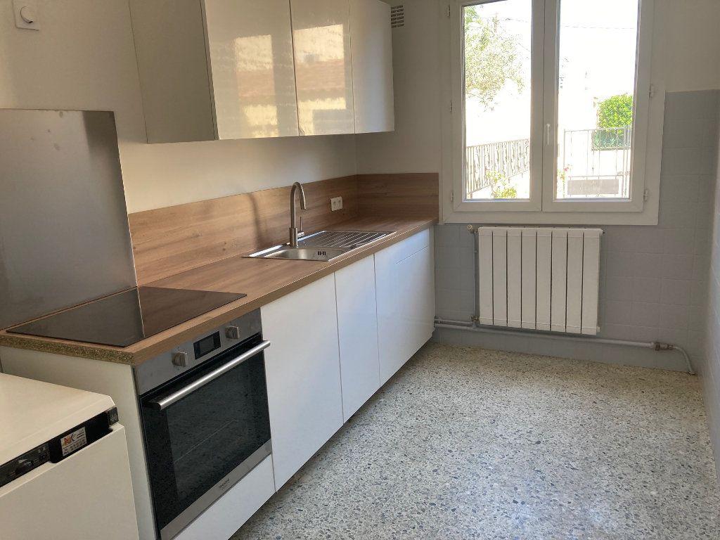 Maison à vendre 5 92m2 à Avignon vignette-5