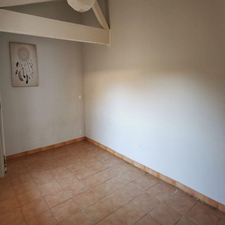 Appartement à louer 2 35m2 à Rochefort-du-Gard vignette-3
