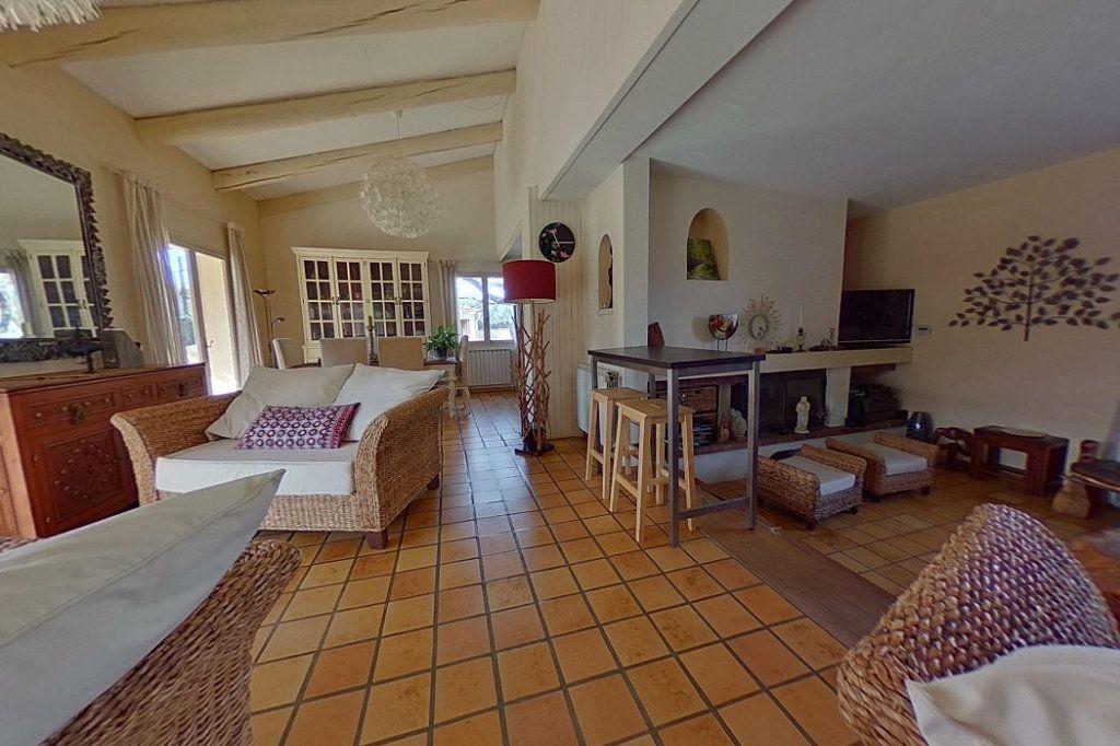 Maison à vendre 5 145m2 à Entraigues-sur-la-Sorgue vignette-2