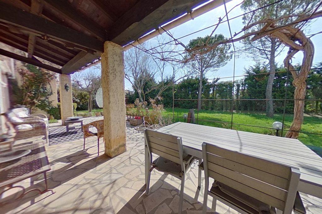 Maison à vendre 5 145m2 à Entraigues-sur-la-Sorgue vignette-6