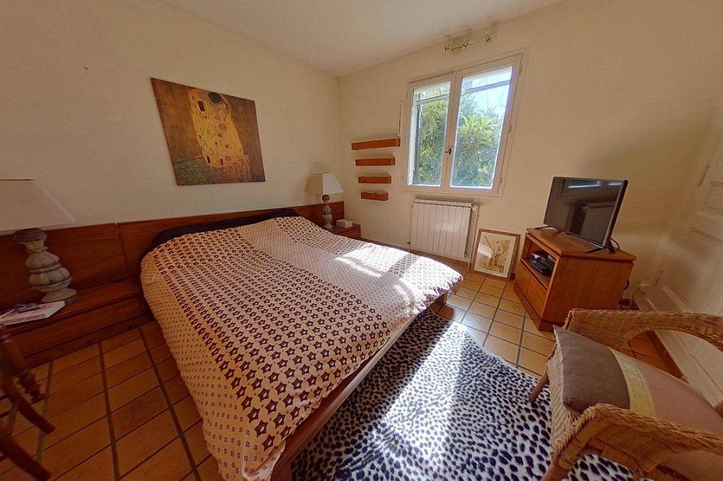 Maison à vendre 5 145m2 à Entraigues-sur-la-Sorgue vignette-9
