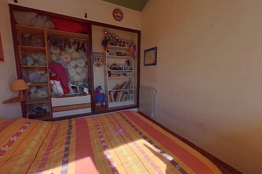 Maison à vendre 5 145m2 à Entraigues-sur-la-Sorgue vignette-13