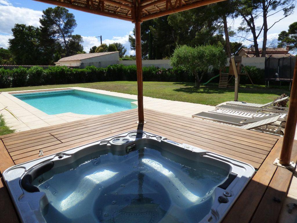 Maison à vendre 7 220m2 à Vedène vignette-2