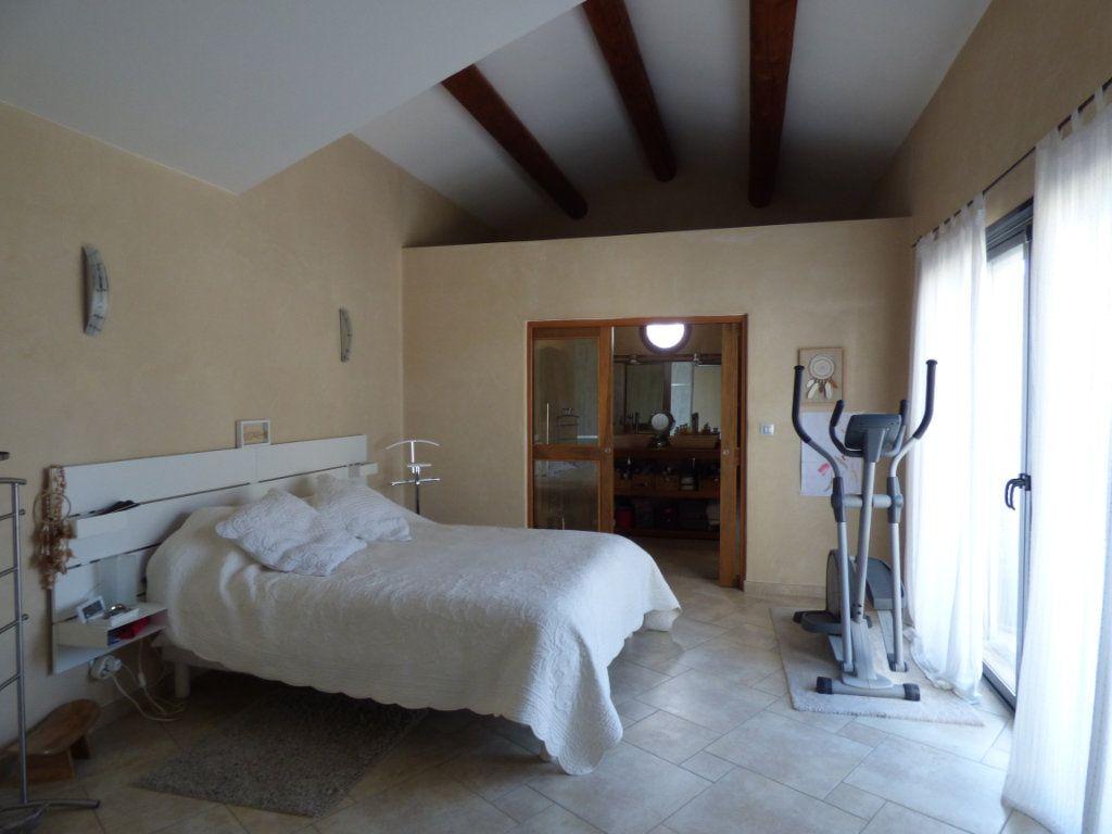 Maison à vendre 7 220m2 à Vedène vignette-9