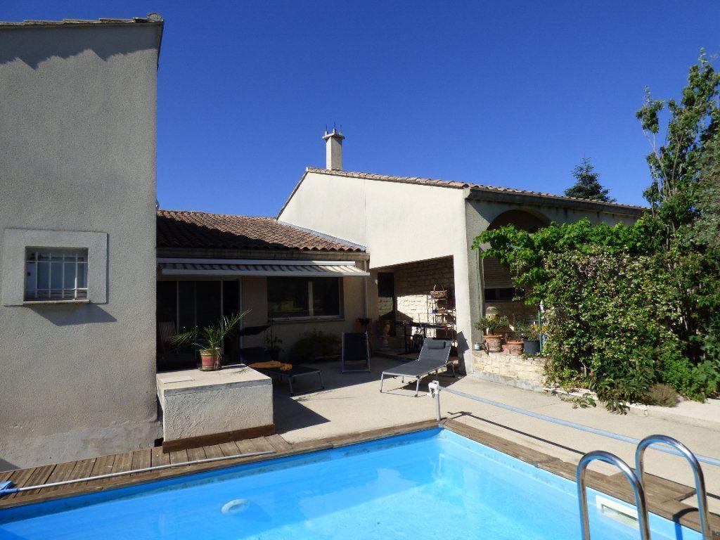 Maison à vendre 5 400m2 à Morières-lès-Avignon vignette-1