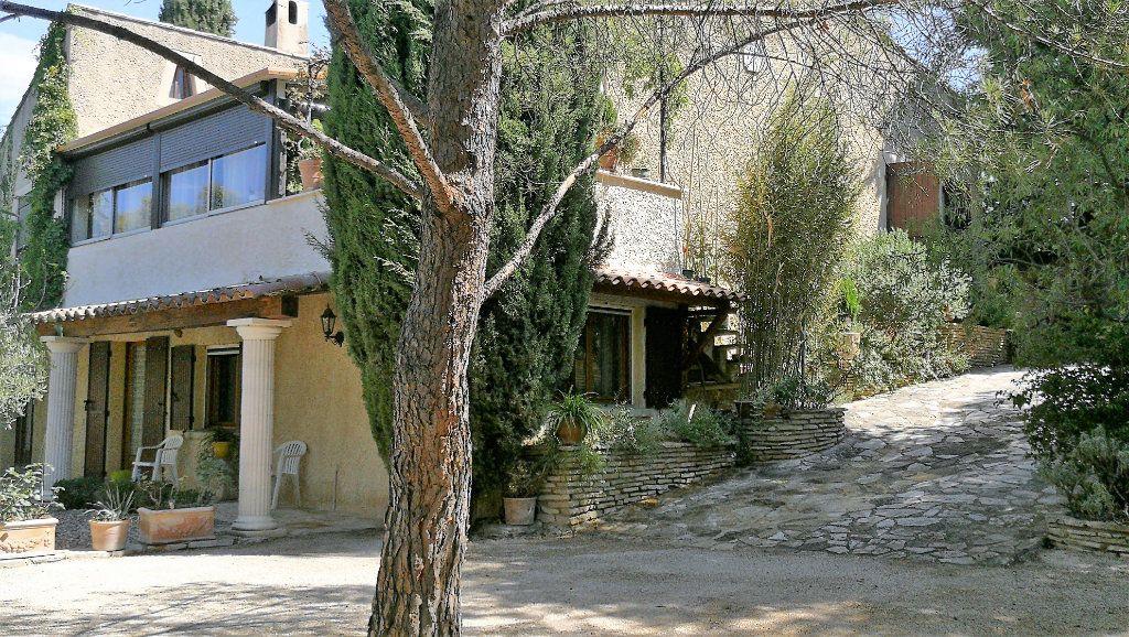 Maison à vendre 8 218m2 à Vedène vignette-1
