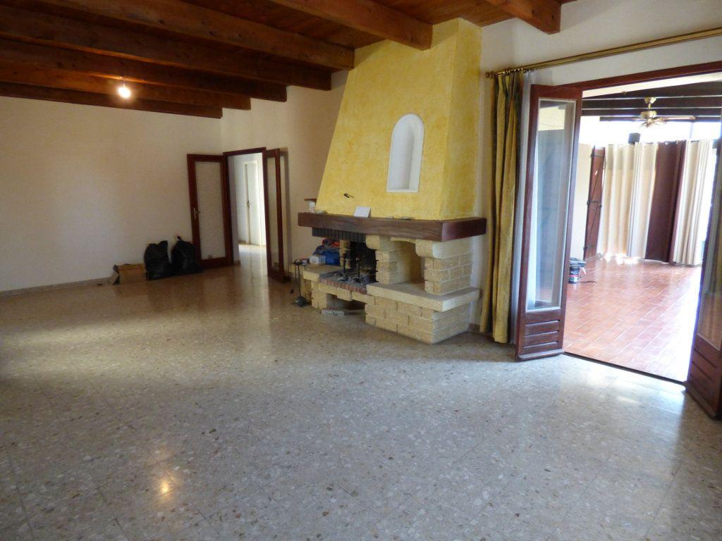 Maison à vendre 8 218m2 à Vedène vignette-2