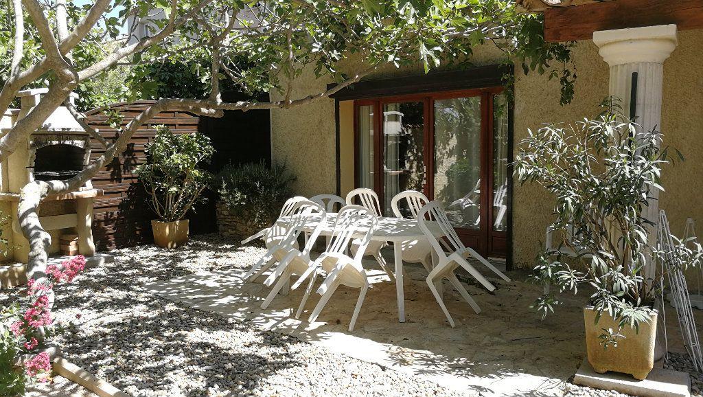 Maison à vendre 8 218m2 à Vedène vignette-14