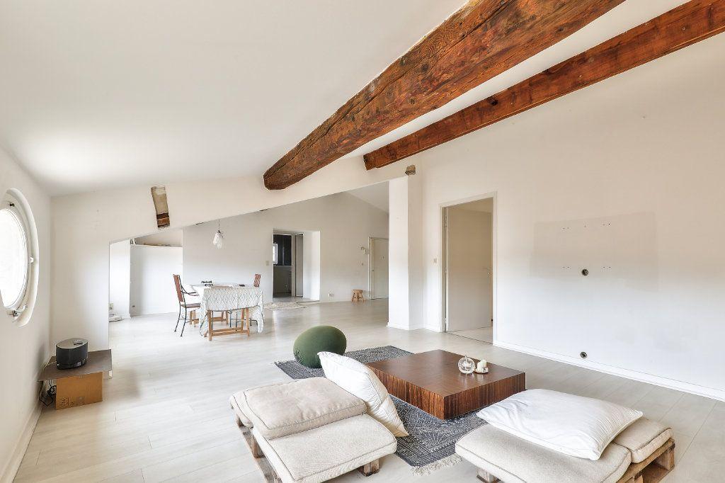 Appartement à vendre 4 129.48m2 à Avignon vignette-1