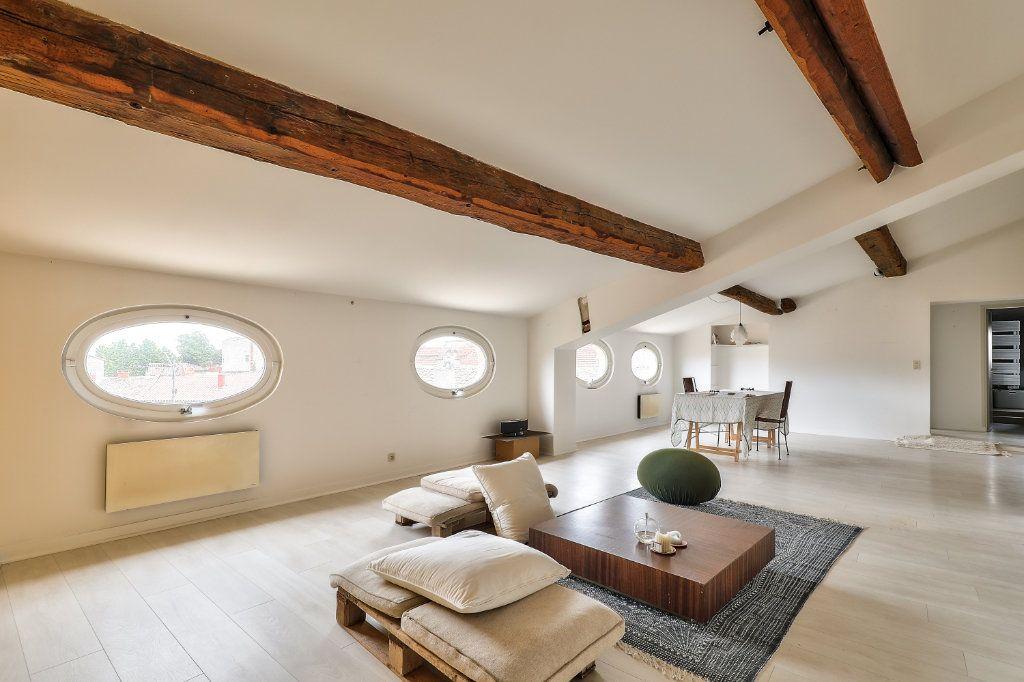 Appartement à vendre 4 129.48m2 à Avignon vignette-4