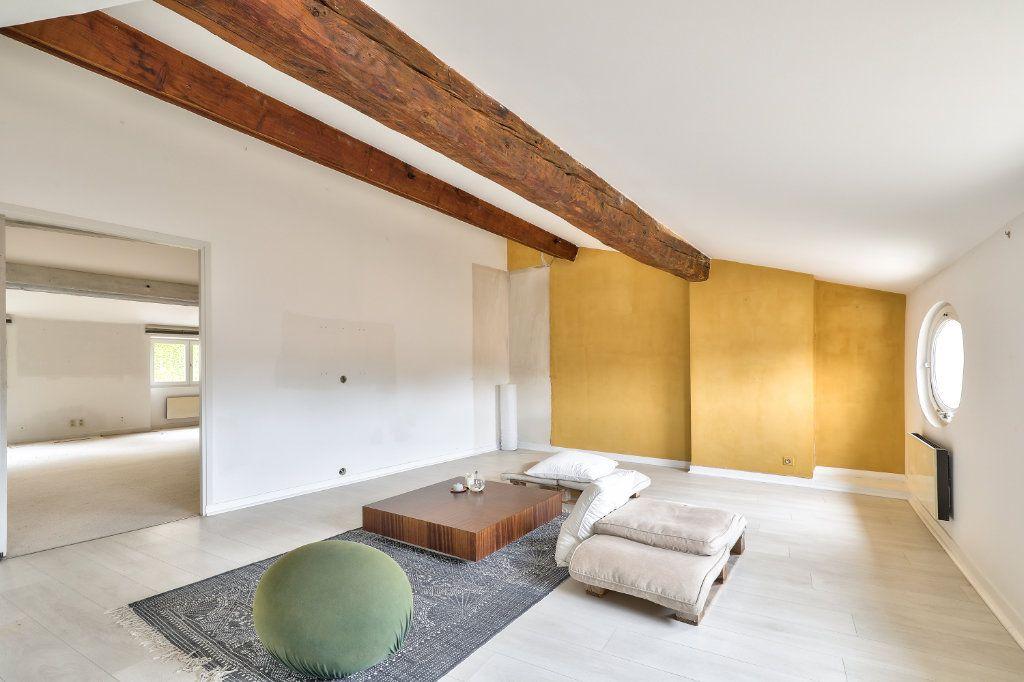 Appartement à vendre 4 129.48m2 à Avignon vignette-6