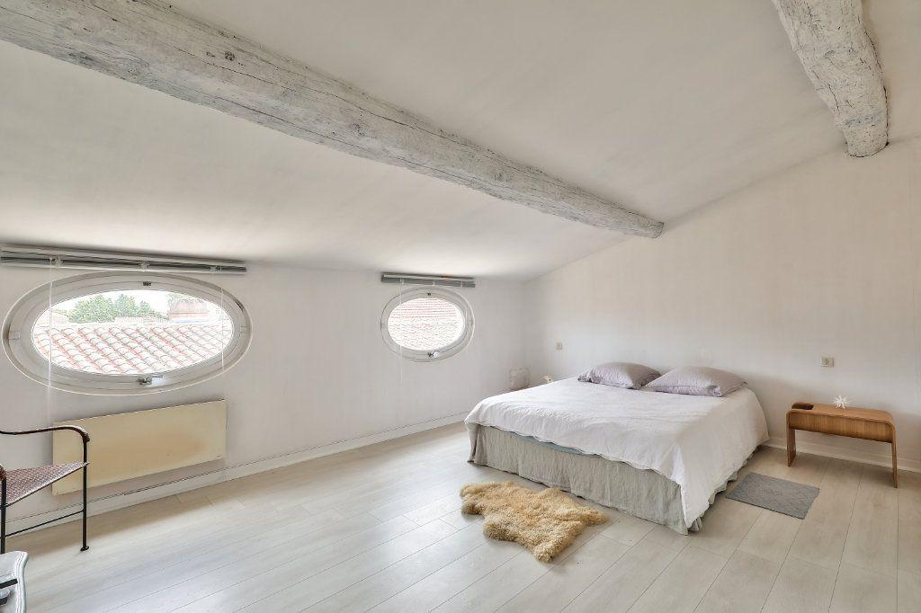 Appartement à vendre 4 129.48m2 à Avignon vignette-9