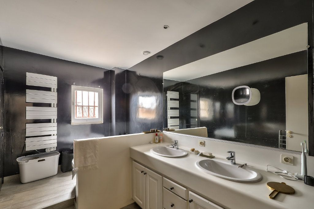Appartement à vendre 4 129.48m2 à Avignon vignette-10