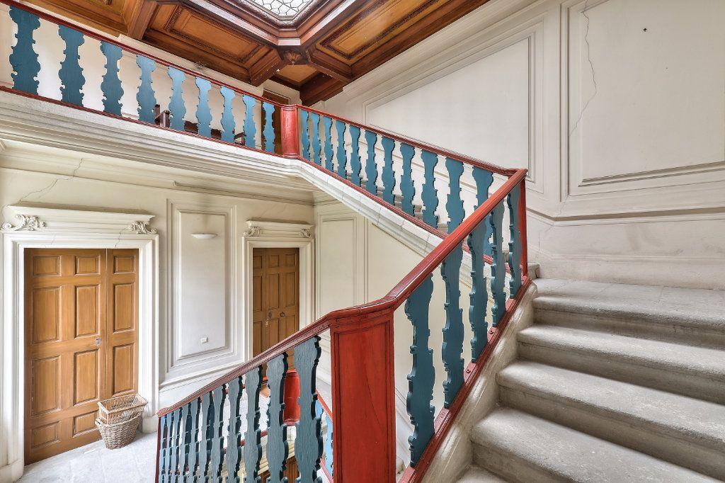 Appartement à vendre 4 129.48m2 à Avignon vignette-11