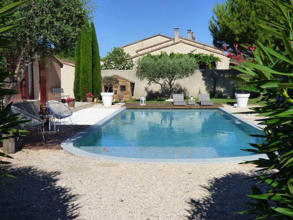 Maison à vendre 6 201m2 à Morières-lès-Avignon vignette-1