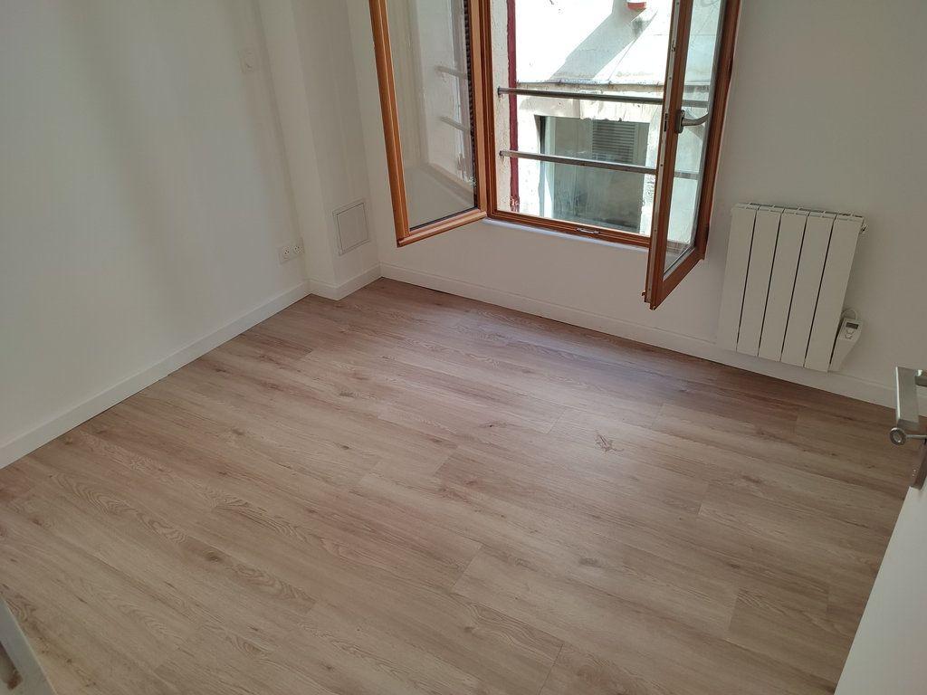 Appartement à louer 3 56.56m2 à Avignon vignette-4