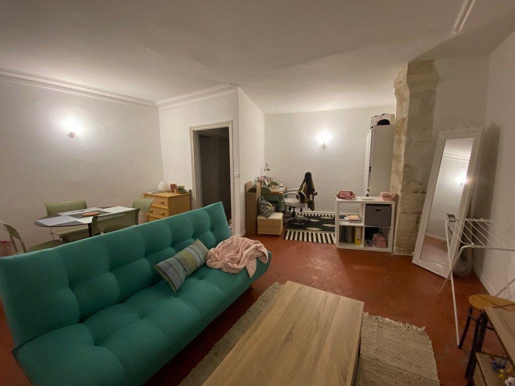 Appartement à louer 2 39m2 à Avignon vignette-3