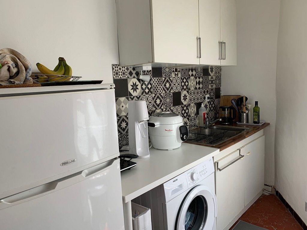 Appartement à louer 2 39m2 à Avignon vignette-5