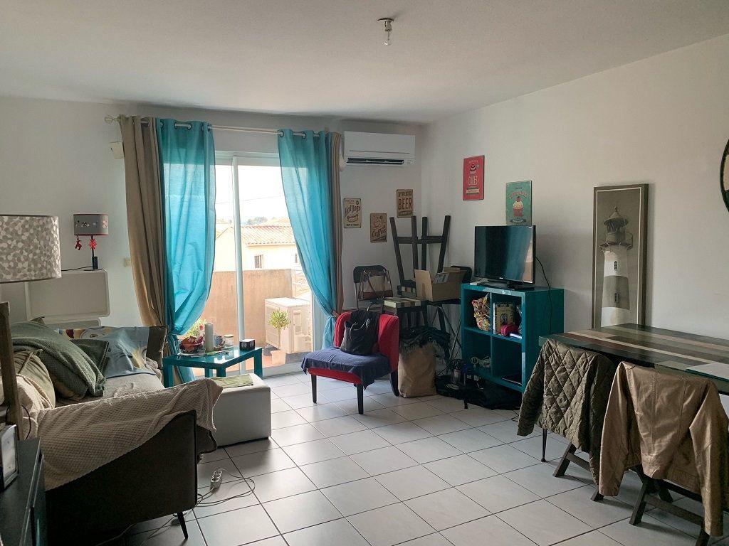 Appartement à louer 2 45m2 à Châteaurenard vignette-1