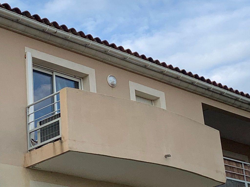 Appartement à louer 2 45m2 à Châteaurenard vignette-5