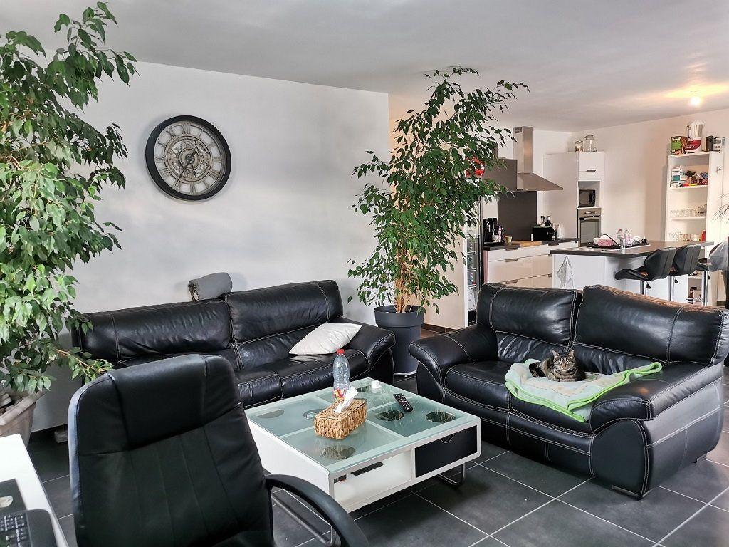 Maison à louer 4 93.72m2 à Rochefort-du-Gard vignette-2