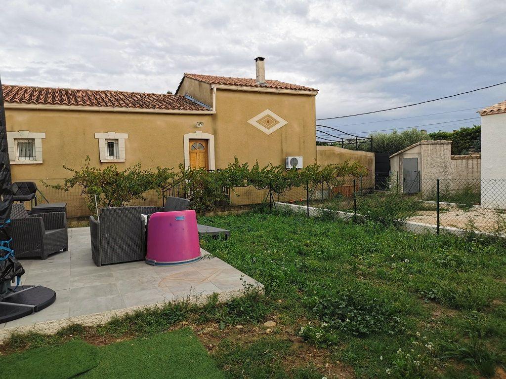 Maison à louer 4 93.72m2 à Rochefort-du-Gard vignette-6