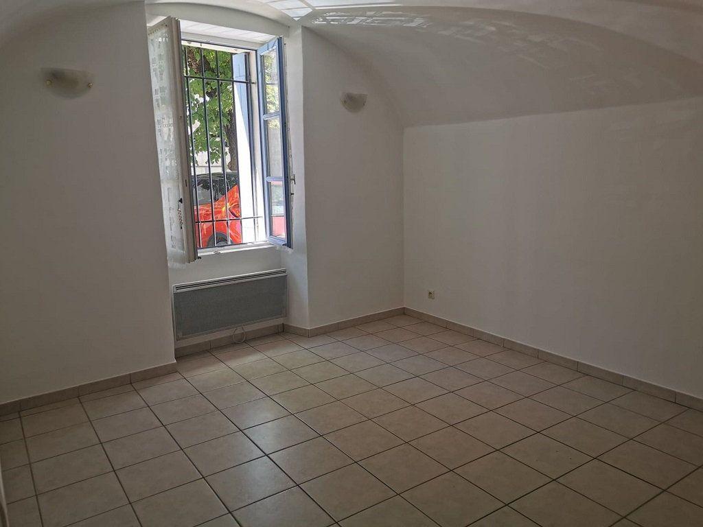 Appartement à louer 1 29.63m2 à Rochefort-du-Gard vignette-2
