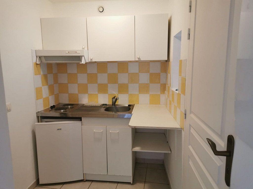 Appartement à louer 1 29.63m2 à Rochefort-du-Gard vignette-4