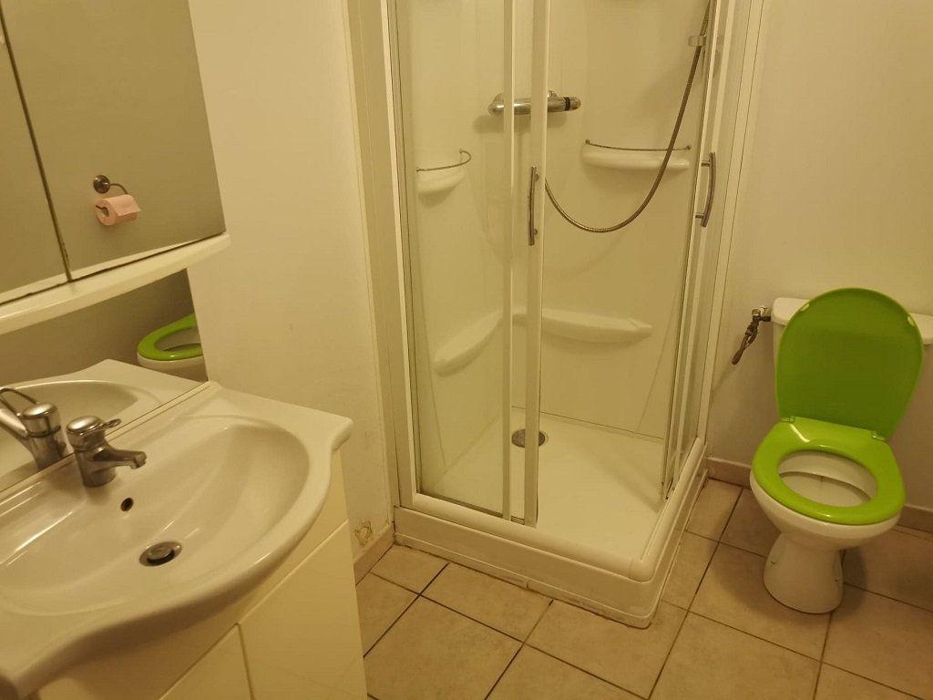 Appartement à louer 1 29.63m2 à Rochefort-du-Gard vignette-5