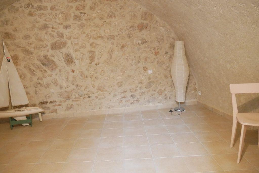 Maison à vendre 4 100m2 à Bauduen vignette-9