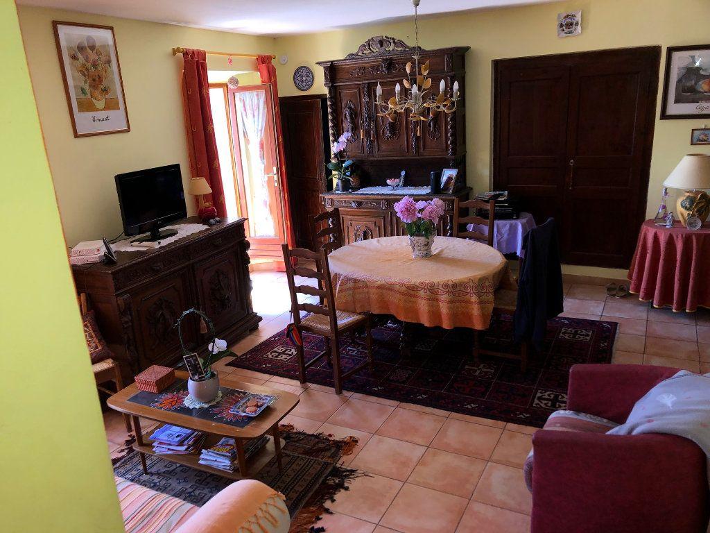 Appartement à vendre 4 74m2 à Bauduen vignette-3