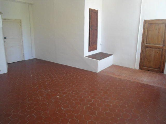 Appartement à louer 1 26.2m2 à Aups vignette-3