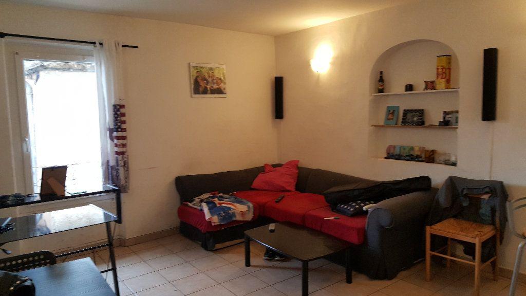 Appartement à louer 3 46m2 à Aups vignette-2