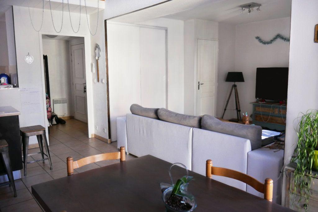 Appartement à vendre 3 68.52m2 à Salernes vignette-2