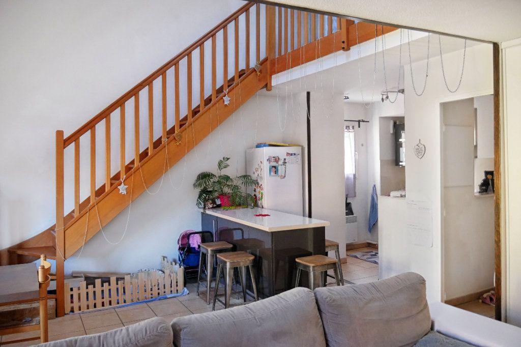 Appartement à vendre 3 68.52m2 à Salernes vignette-3