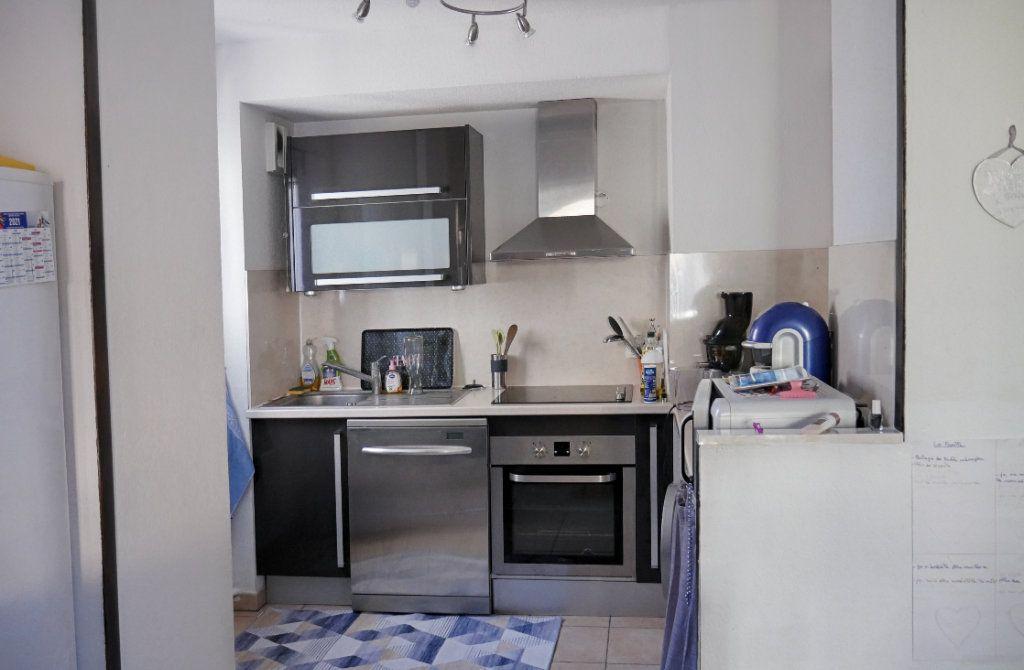 Appartement à vendre 3 68.52m2 à Salernes vignette-4